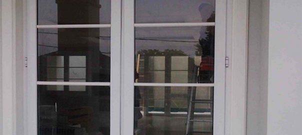 Jendela UPVC Swing Warna Putih Praja Gandaria City Kebayoran Lama Jakarta id5884